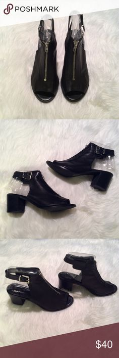 1ef71b358b5 Shop Women s Topshop size 8 Shoes at a discounted price at Poshmark.  Description  In great condition. Minor wear on heels as pictured.
