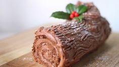 Buche de Noel ~ recipe and tips ~ Flora Fauna French Christmas, Christmas Baking, Kids Christmas, Merry Christmas, Flora And Fauna, Winter Holidays, Bon Appetit, Red Velvet, Food And Drink