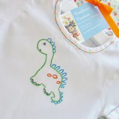 New Baby Dress Embroidery Products Ideas Baby Embroidery, Embroidery Scissors, Hand Embroidery Stitches, Hand Embroidery Designs, Vintage Embroidery, Embroidery Dress, Embroidery Patterns, New Baby Dress, Baby Dinosaurs