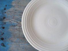 Fiesta Ware Dinner Plate 10 1/4 inch Ivory, Homer Laughlin Company Fiesta ware, Vintage Fiesta Ware Old Ivory.