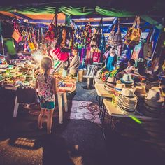 4 of the world's best markets  1. Borough Market London 2. Feria de San Telmo Buenos Aires 3. Marche aux Puces de St Quen Paris 4. Tsukiji Fish Market  Tokyo http://amzn.to/2bhQP8u #shortie #poker #unibetopen #london #living_europe #lungern #switzerlandpi