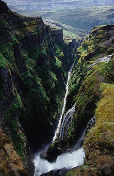Cataratas de Glymur, na Islândia.
