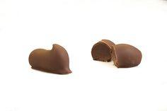 Fresh Chocolates - House Milk Truffles Chocolate House, Restaurant Recipes, Melting Chocolate, Truffles, Chocolates, Milk, Fresh, Food, Melt Chocolate