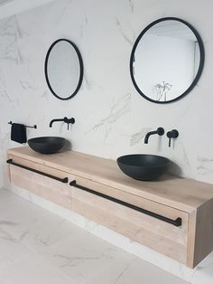 22 Cute Shower Curtains for the Bathroom Bathroom Niche, Modern Master Bathroom, Bathroom Toilets, Modern Bathroom Design, Bathroom Colors, Bathroom Interior Design, Small Bathroom, Black Marble Bathroom, Bathroom Design Inspiration