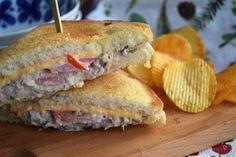 Smaskelismaskens: Tuna melt Tuna Melts, Cheddar, A Food, Sandwiches, Keto, Lunch, Wraps, Cheddar Cheese, Eat Lunch