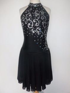 Details about Custom Ice skating dress Competition Figure Skating Costume Dance navy girl's - Make Easy Diy White Summer Outfits, Casual Summer Dresses, Tight Dresses, Trendy Dresses, Winter Dresses, Nice Dresses, Girls Dresses, Ice Dance Dresses, Figure Skating Dresses