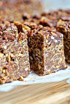 No-Bake Chocolate Peanut Butter Crunch Bars - What I love about these Peanut Butter Crunch Bars is that they are a no-bake, quick and easy dessert that delivers big on sweet and crunch appeal. Made with cereal, oats, peanut butter and chocolate it is perfection.