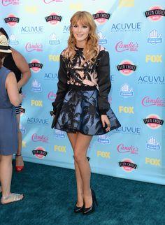 UNIVERSAL CITY, CA - 11 de agosto: Actriz Bella Thorne ASISTE A Los Teen Choice Awards 2013 en Anfiteatro Gibson el 11 de agosto de 2013 en Universal City, California. (Foto por Jason Merritt / Getty Images)