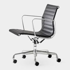 Eames Aluminum Management Chair  Charles & Ray Eames, 1958