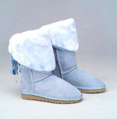 I've never seen these UGG boots but they look so cute!