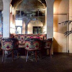 Lounge at the very old, very gorgeous Hotel Locarno in Rome. #Mirabiliaromae