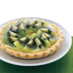 Kiwifruit Tart with Lime Curd Filling makes a gorgeous plated dessert. http://www.williams-sonoma.com/recipe/kiwifruit-tart-with-lime-curd-filling.html?cm_src=RECIPESEARCH