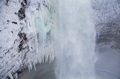 Fotos: Una vía increíble bajo la roca y el hielo - Foto | Red Bull Aventura