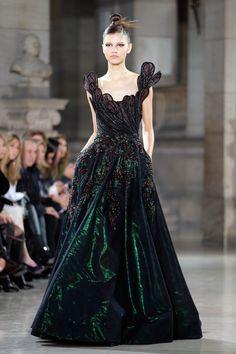 Photo of Tony Ward Haute Couture Spring Summer 2019 Tony Ward, Couture Usa, Style Couture, Couture Fashion, Tokyo Fashion, Fashion Week, Fashion Show, Fashion Design, Paris Fashion