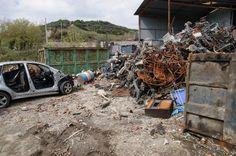 Sequestrato sfasciacarrozze abusivo a Crotone - Controlli straordinari da parte della Polizia  - http://www.ilcirotano.it/2016/09/14/sequestrato-sfasciacarrozze-abusivo-a-crotone/