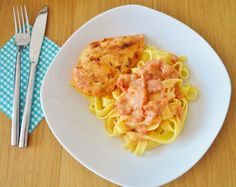 Easy, unusual and delicious recipe: Chicken in a creamy sauce with tomato, vermouth and thyme, via The Copenhagen Tales