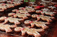 Gingerbread Men Cookies |   This simple but fun baking project gets the whole family involved and makes the holiday feel that much more special.