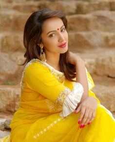 Tejaswini madivada looking gorgeous in the Handloom bright yellow Saree!Hit the summer in Archita bright n colourful lightweight Sarees! 04 March 2018