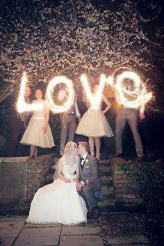 Hochzeitsfotos Love Wunderkerzen