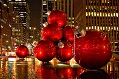 Christmas in New York City.... Somewhere I've always wanted to go during the holidays!!