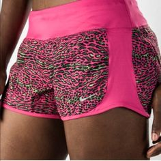 Nike sport short free (xl) Brand new in tag lovely spring colors pink Nike Shorts