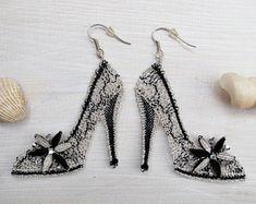 Etsy Earrings, Drop Earrings, Lace Heart, Lace Jewelry, Bobbin Lace, Lace Design, Lace Detail, Fashion, Jewels