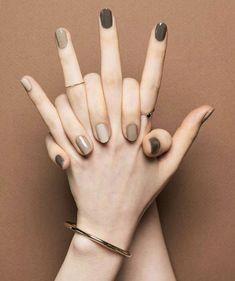 Pin by Lisa Firle on Nageldesign - Nail Art - Nagellack - Nail Polish - Nailart - Nails in 2019 Classy Nails, Stylish Nails, Simple Nails, Autumn Nails, Winter Nails, Nail Manicure, Toe Nails, Nagellack Trends, Minimalist Nails