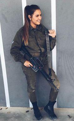 IDF - Israel Defense Forces - Women Military Women, Military Female, Israeli Girls, Idf Women, Brave Women, Female Soldier, Portrait, Army Girls, Ssbbw