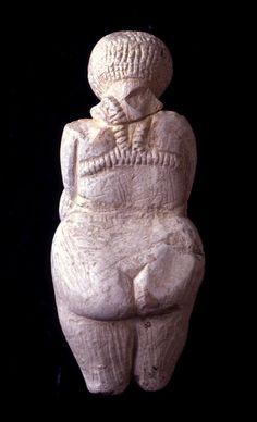 Paleolithic, 25,000-40,000 BCE Venus of Kostenki