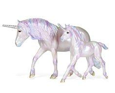 Bella and Mozart 2013 Holiday Breyer unicorns. Unicorn Books, Unicorn Art, Fantasy Creatures, Mythical Creatures, Bryer Horses, Unicorn Pictures, Unicorn Crafts, Horse Sculpture, Dog Birthday