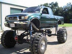 Toyota Tacoma mud truck