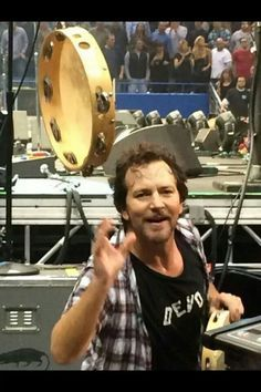 Eddie Vedder on Pinterest   Pearl Jam, Cubs Games and Climbing