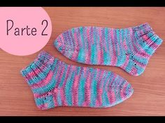 Easy Knitted Socks :: Part 1 Blog By Day, Blog Page, Baby Boots, Knitting Socks, Seersucker, Knitting Patterns, Stitch, Sewing, Youtube