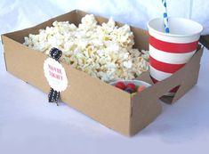 movie-party - Perfect for our outside movie night Backyard Movie Nights, Outdoor Movie Nights, Slumber Parties, Birthday Parties, Night Parties, Movie Theatre Birthday Party, Cinema Party, Sleepover, Birthday Ideas