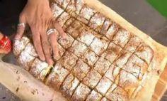h kaluterh suntagh gia bougatsa thn latrepsete Greek Sweets, Greek Desserts, Greek Recipes, Desert Recipes, Puff Pastry Desserts, Pastry Recipes, Cooking Recipes, Cooking Time, Food Network Recipes