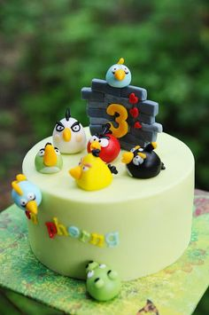 Mom & Daughter Cakes: Angry Birds Cake For 3 Years Old Ian Pherng