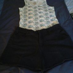 "Faded Glory Black Denim Shorts Size 16 Faded Glory Black Denim Shorts Size 16 Waist: 18"" Hips: 24"" Inseam: 6"" In Excellent Condition, No Rips, Tear, Or Stains!  Also Listed On M_e_r_c_a_r_i Faded Glory Jeans"