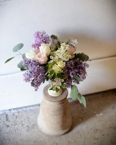 Lilac arrangements - the perfect spring gift