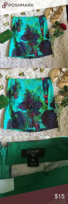 ❤J Crew Skirt❤ ❤In excellent used condition J Crew Skirt in size 00❤Has two size pockets in the front❤Please see all photos❤ j crew Skirts