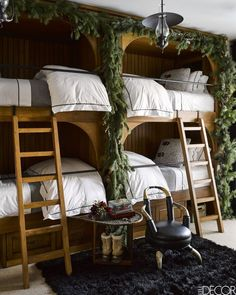 The most gorgeous cabin bunk beds on Elle Decor - We want to visit this Montana cabin!