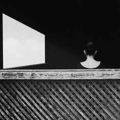 Budapest-based photographer Noell Osvald creates incredible black and white self-portraits. Using her silhouette, Osvald creates ethereal pictures that are visually captivating.