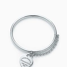 Return to Tiffany® heart tag bangle with chain in sterling silver, medium.