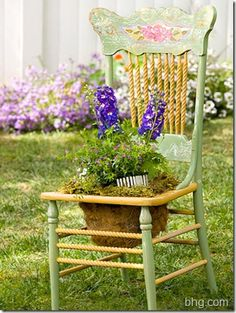I have the chairs....now I have the way to make the 'pot'! Love this idea!