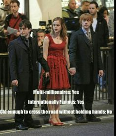 I love Harry Potter Old enough to cross road without holding hands? Harry PotterOld enough to cross road without holding hands? Mundo Harry Potter, Harry Potter Cast, Harry Potter Quotes, Harry Potter Fandom, Harry Potter World, Harry Potter Characters, Ridiculous Harry Potter, The Golden Trio, Jarry Potter