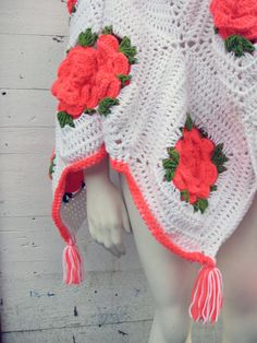 1960s Afghan Hot Pink White and Green Crochet Flower