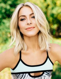 37 Ideas for hair styles short blonde julianne hough Celebrity Hairstyles, Bob Hairstyles, Medium Blonde Hairstyles, Blonde Celebrity Hair, Celebrity Hair 2018, Trending Hairstyles, Latest Hairstyles, Hairdos, Blonde Color
