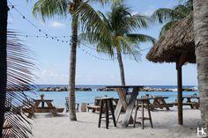 Hotspot: Chill Beach bar & grill   Lions Dive Curacao   www.HolaKim.com