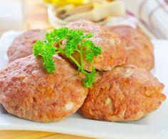 Le polpette di pesce sono molto gustose e saporite e consentono di fare il pieno di energia, vitalità e omega 3. Cucinatele a casa utilizzando il Bimby.
