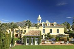 8 bedroom Villa in Nueva Andalucia 4,950,000 Euro
