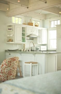 Charming-Tiny-Bungalow-Creative-Cottages-002